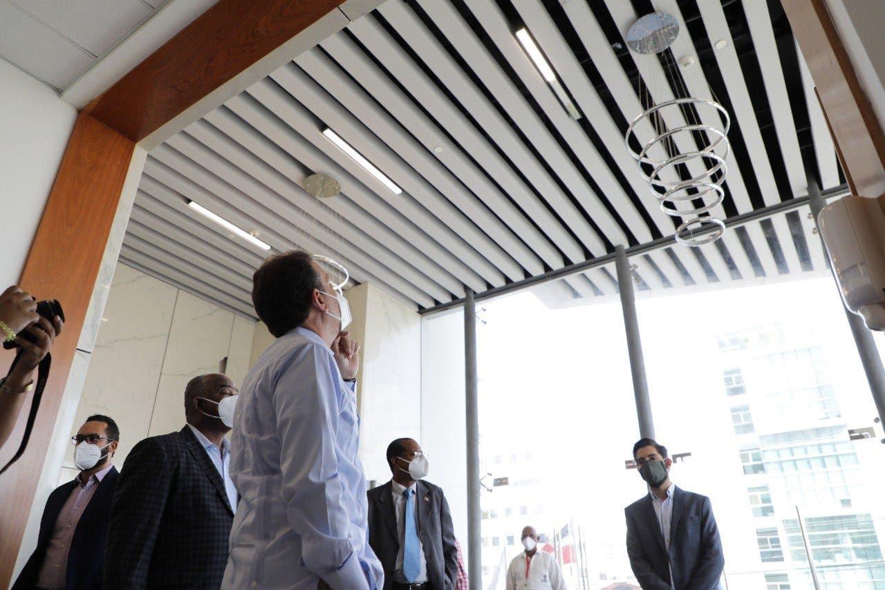 Ito Bisonó solicita revisión de millonario contrato de alquiler del edificio del MICM