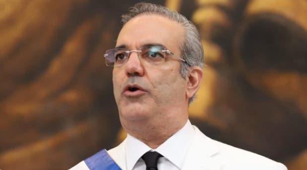 Gobierno de Abinader entregará una tableta o una laptop a cada estudiante dominicano