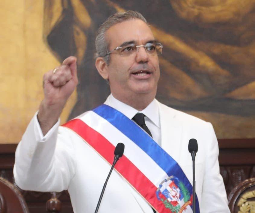 Luis Abinader cancela 14 funcionarios de Inposdom, OMSA y SNS