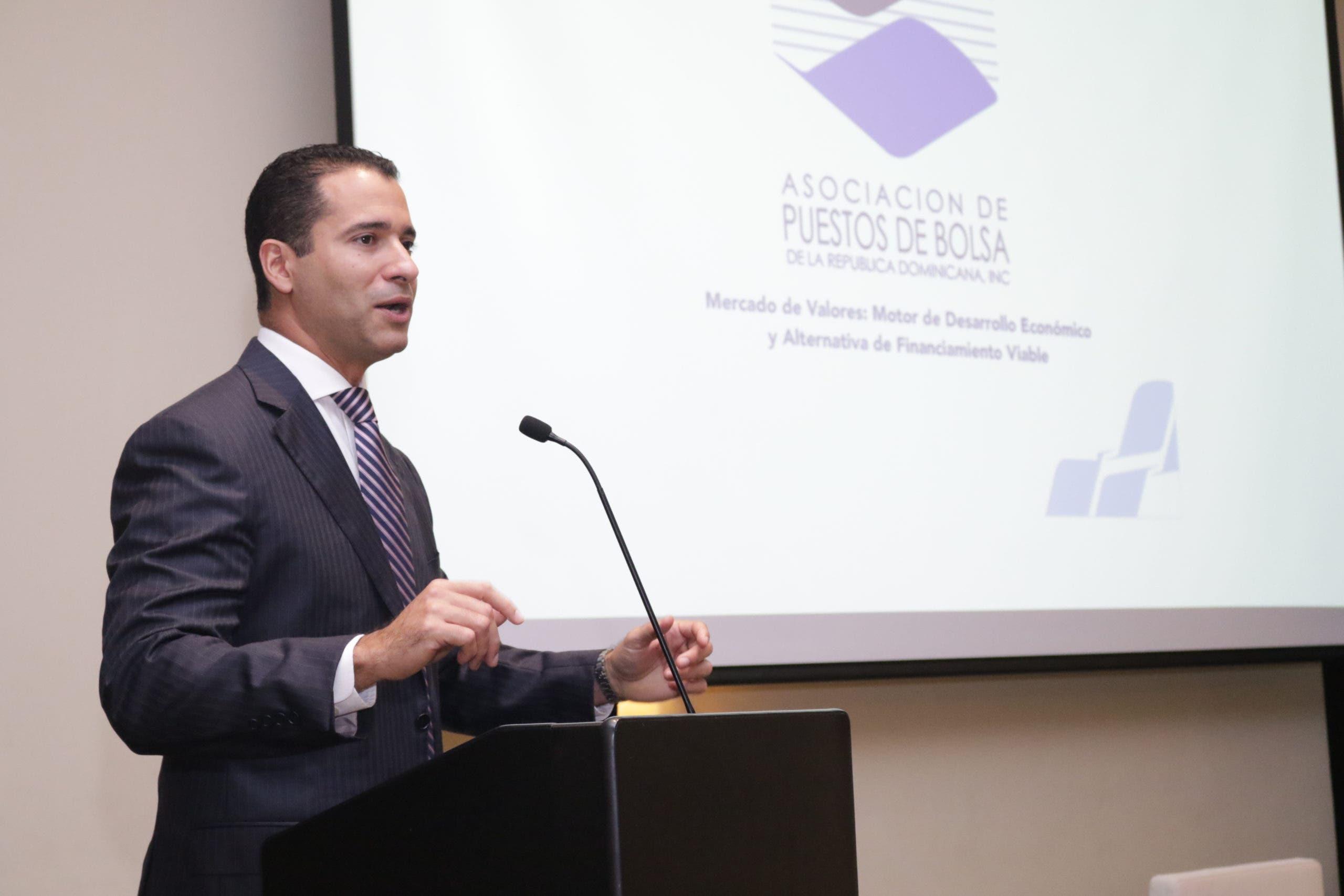 APB: Devolución de ahorros en las AFP afectaría a la economía
