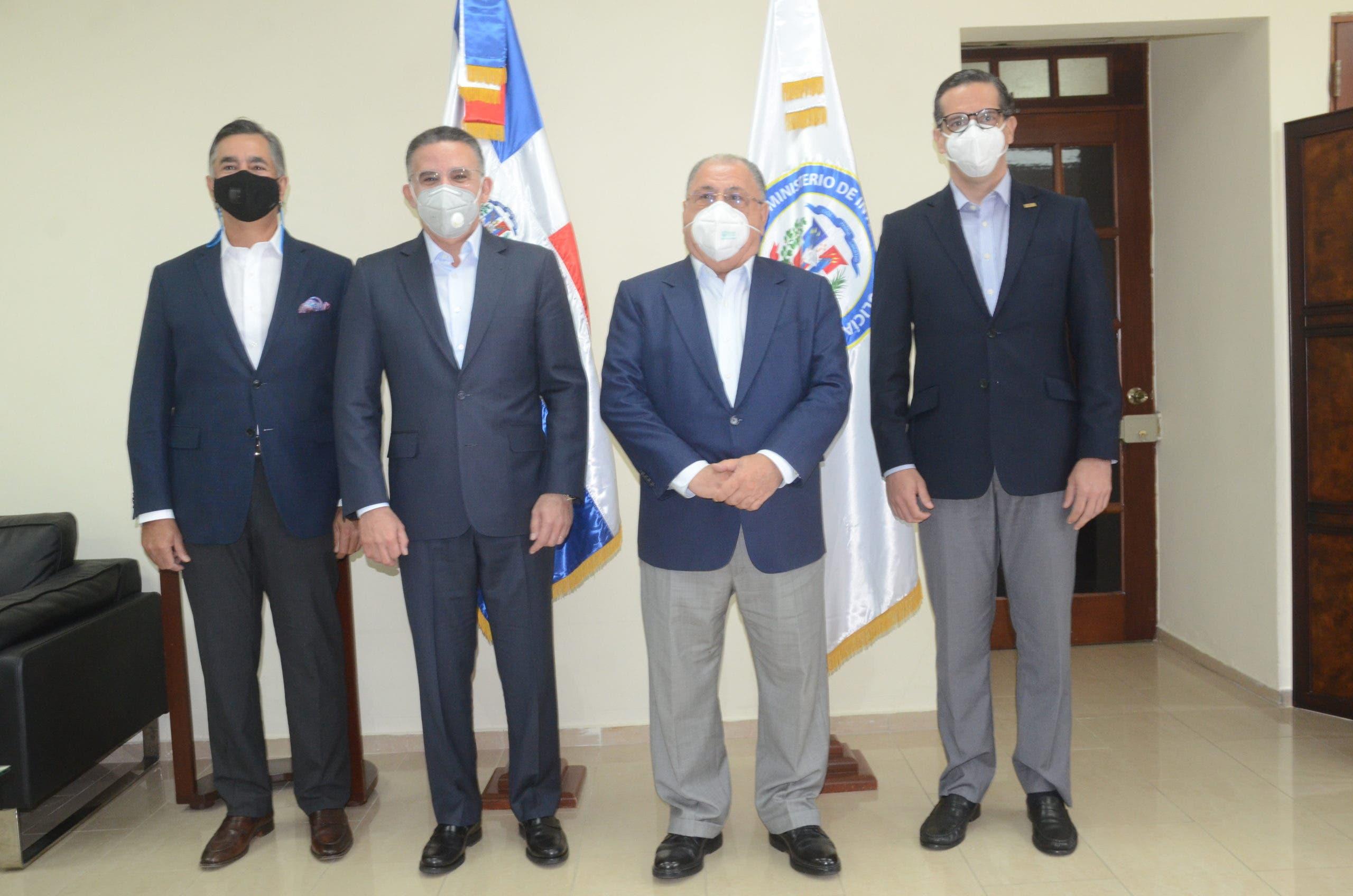 MIP recibe visita de comisión del CONEP