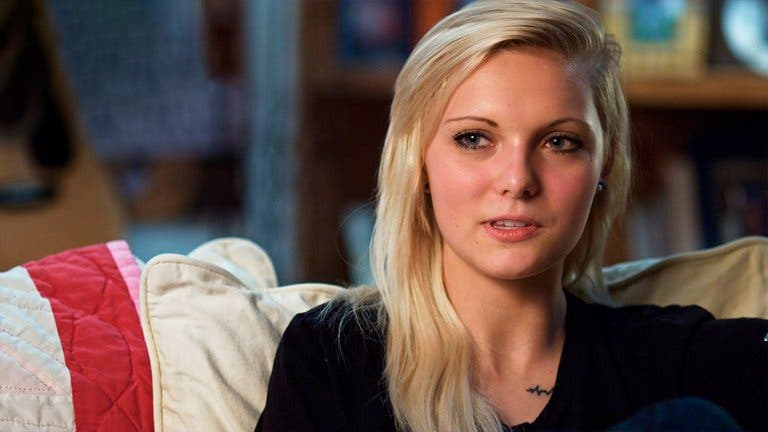 Se suicida joven que protagonizó documental de Netflix sobre su caso de violación
