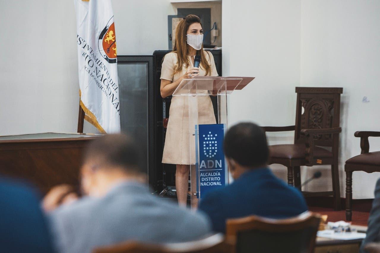 Carolina Mejía rinde informe gestión primeros 100 días ante consejo de regidores
