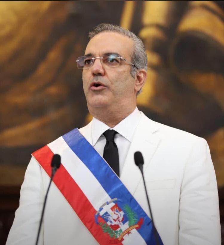 Mensaje del presidente Luis Abinader por Día Nacional del Médico