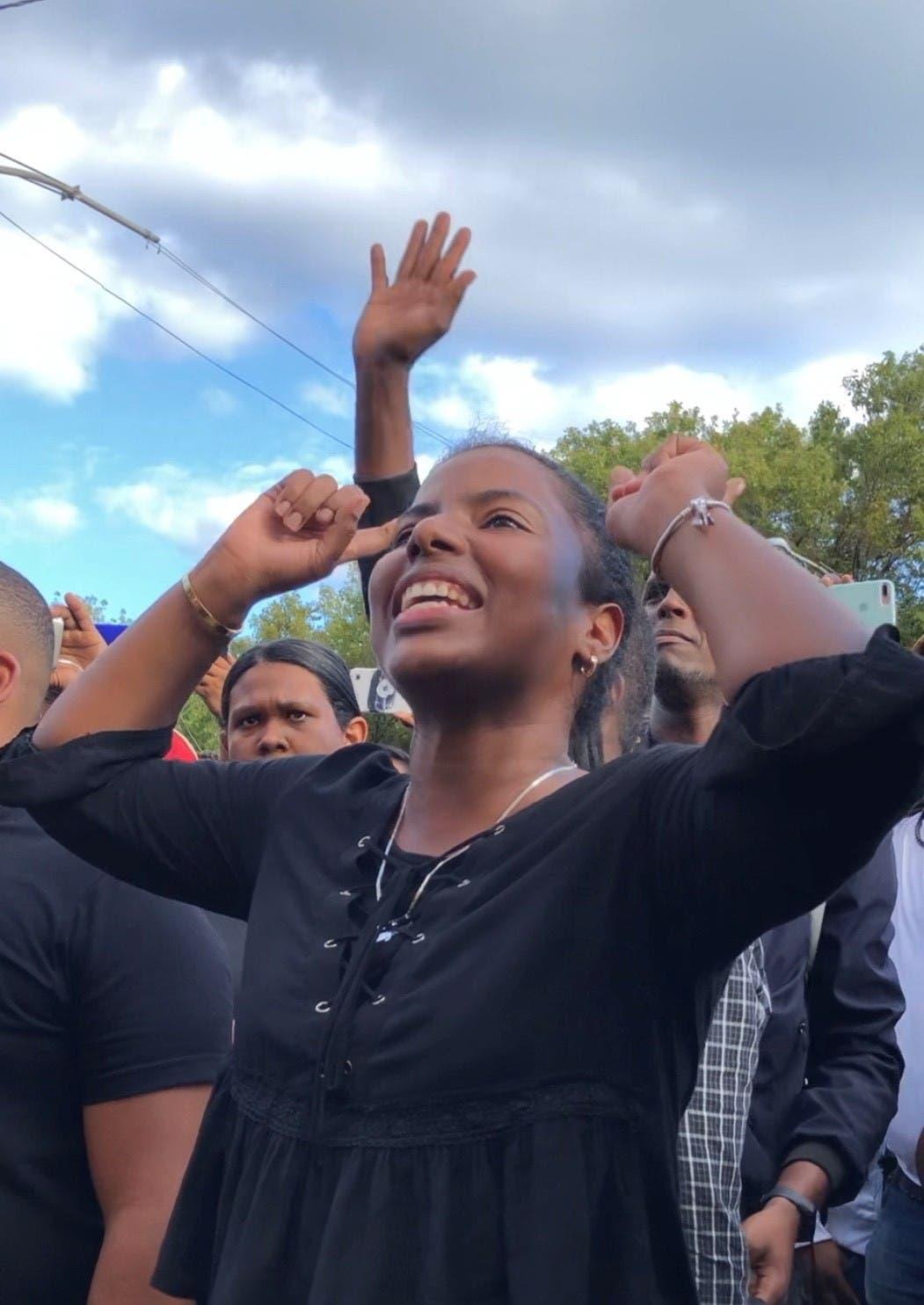 Estudiantes de la UASD saludan visita de Abinader