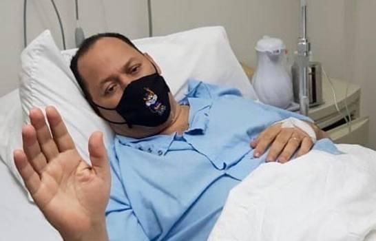Covid-19: Así sigue la salud de Franklin Mirabal en quinto día de internamiento