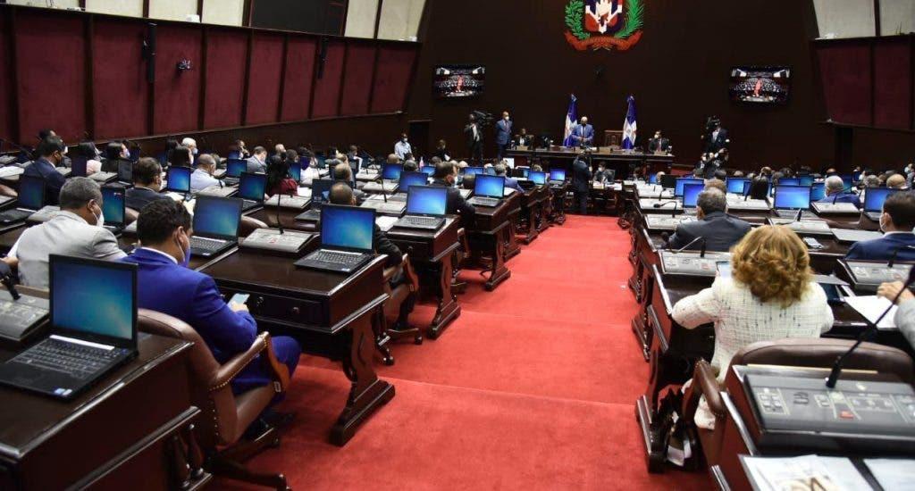 Congresistas presentan agenda legislativa