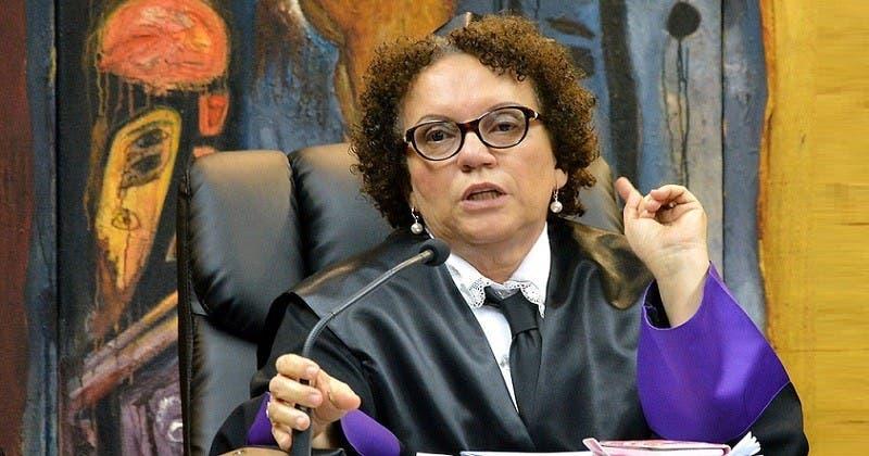 Huchi Lora desea Miriam Germán sea la nueva procuradora