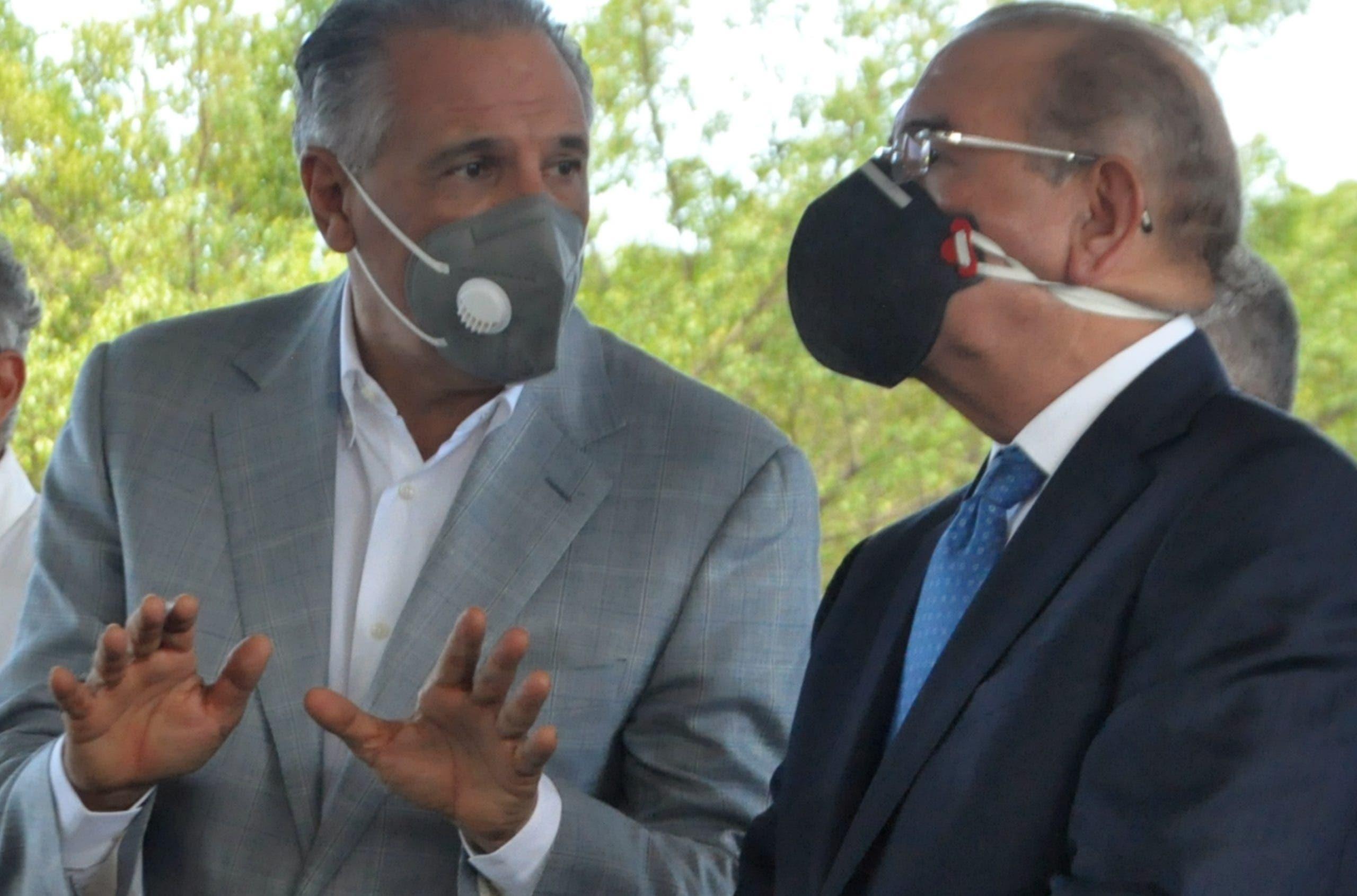 VIDEO: Lanzan bomba lacrimógena en terminal Parque del Este mientras Danilo Medina la inauguraba