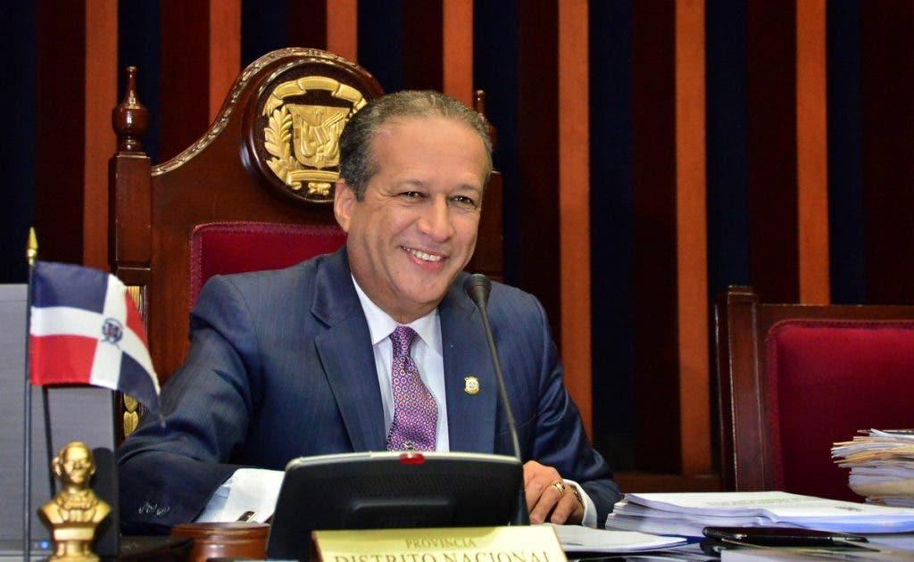 """Reinaldo Pared agradece por """"servir"""" al pueblo dominicano"""