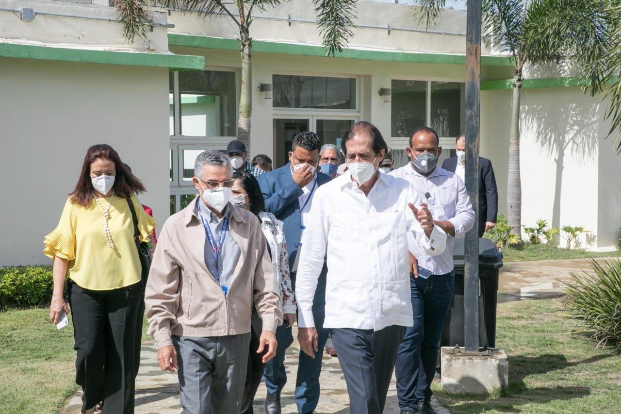 Ministro Montalvo presenta el proyecto Ciudad Juan Bosch al nuevo alcalde de Santo Domingo Este