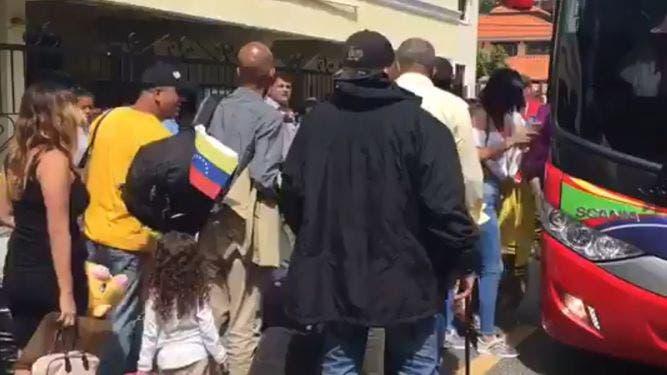 Venezolanos varados en República Dominicana denuncian su Gobierno les deniega retorno