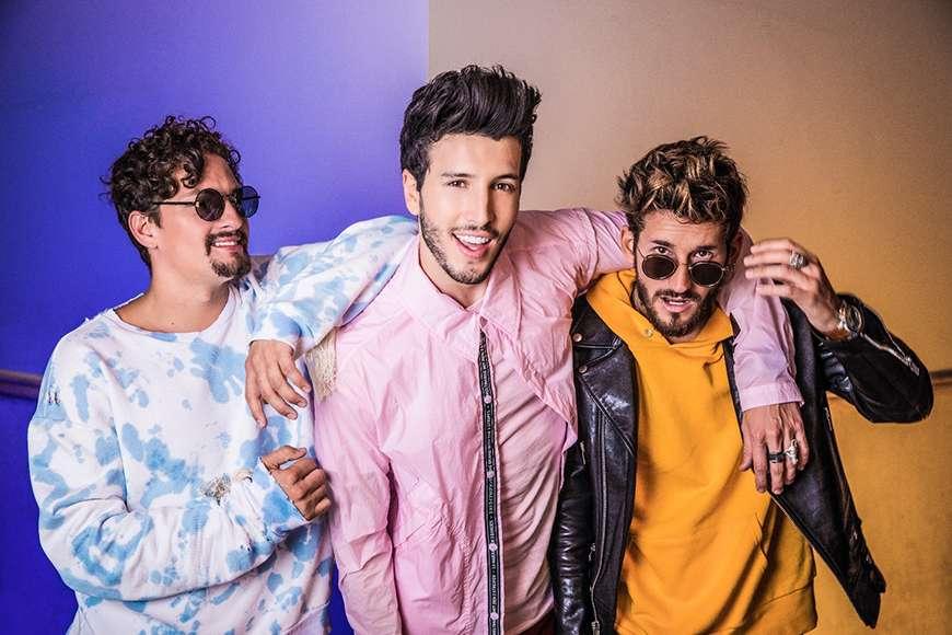 """Mau y Ricky y Sebastián Yatra prometen """"maldades"""" en los Premios Juventud"""