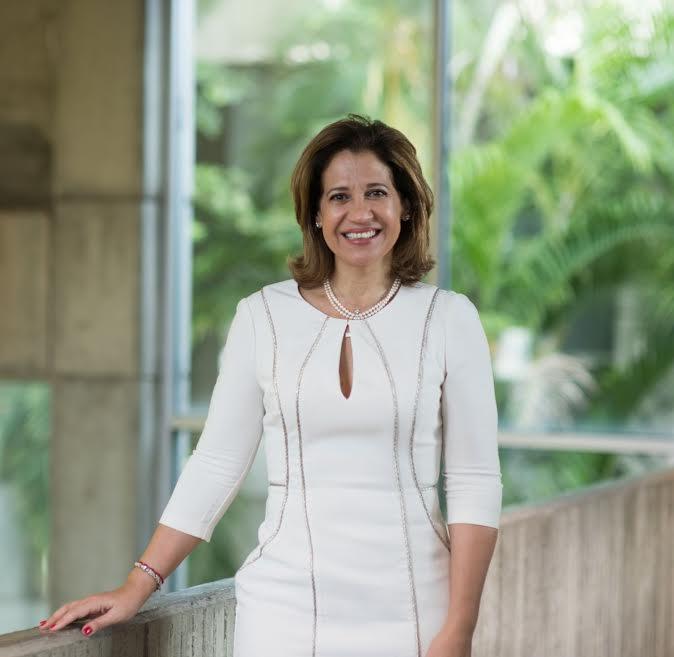 Designan nueva presidenta de Fundación Madre y Maestra