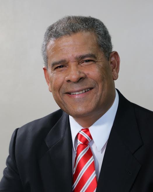 Ministro solicita restablecimiento de horario laboral en el sector público