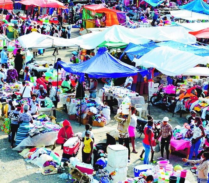 Reabren mercado de pulga en Azua tras varios meses suspendido