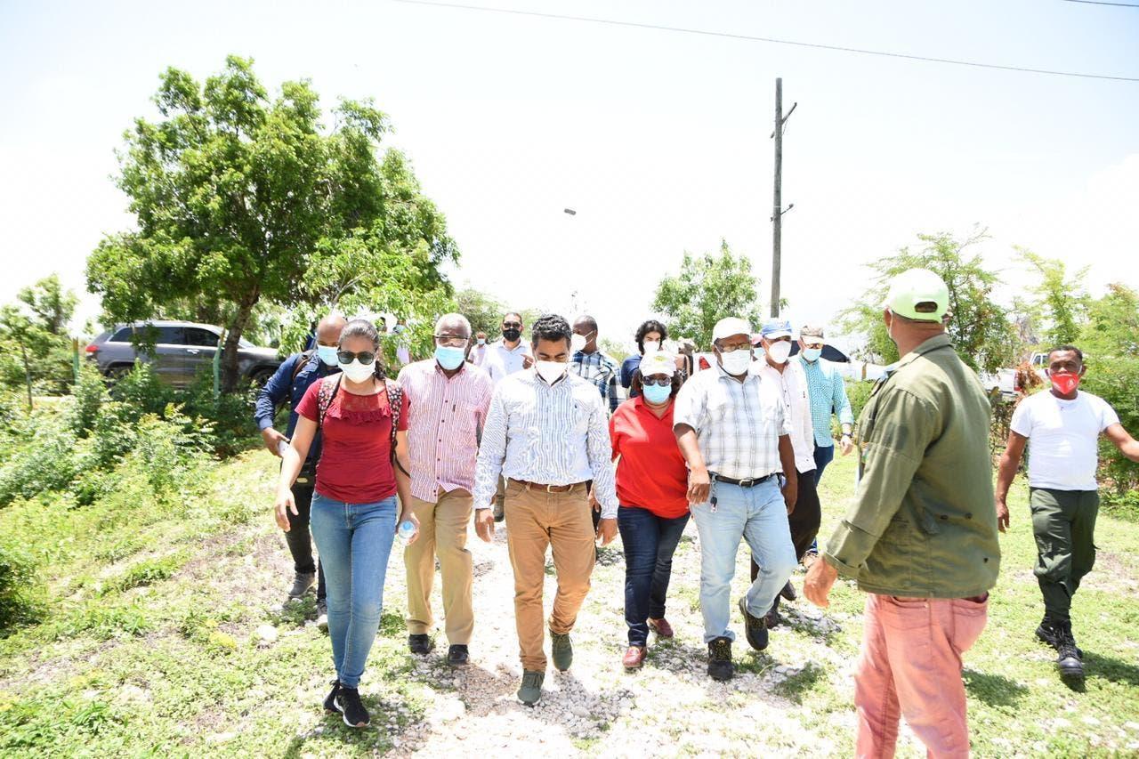 Medio Ambiente inicia trabajos para mitigar sequía que afecta Laguna Cabral