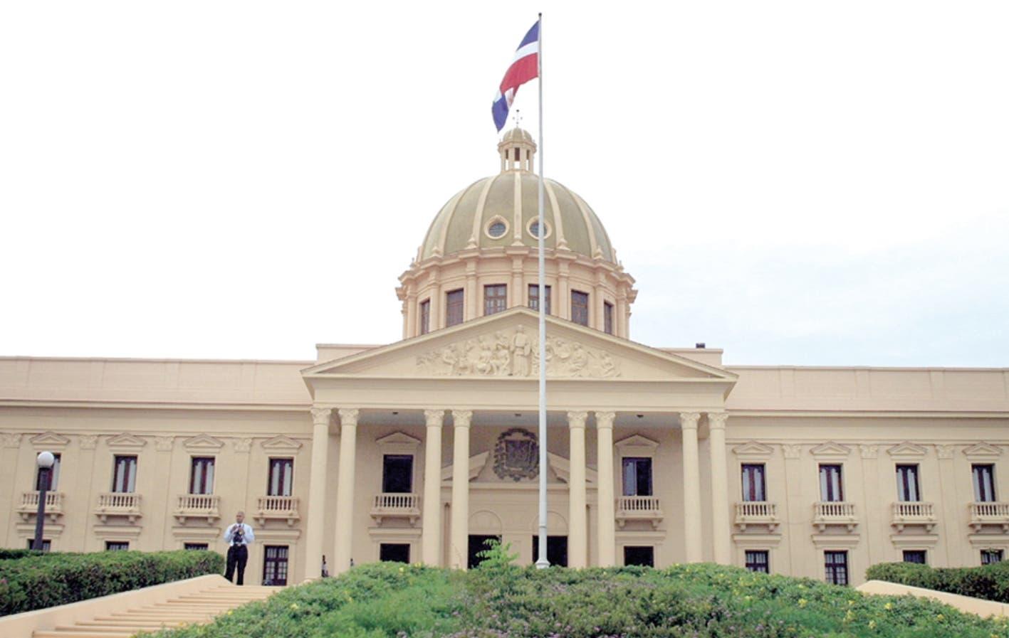 Decreto: Presidente crea comisión liderará estrategia de Marca País para turismo e inversión
