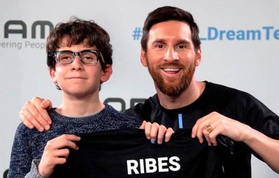 El niño invidente que alucinó con Messi pero que hubiese preferido a Joaquín