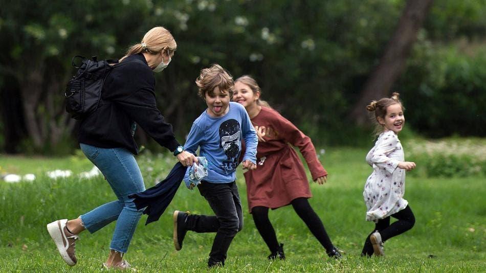 España, entre los mejores países ricos para ser niño, según Unicef