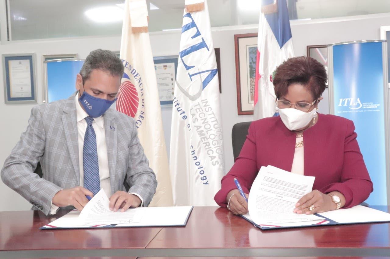 ITLA y la Superintendencia de Seguros firman acuerdo para implementar transformación digital en el sector asegurador