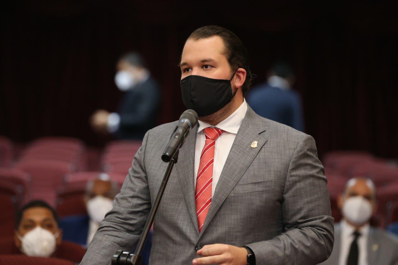 Diputado Jorge Villegas somete proyecto de ley sobre devolución del impuesto al turista extranjero