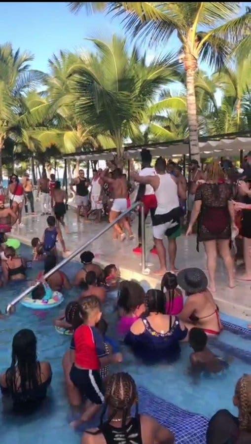 Vea aquí como personas desafían al COVID-19 en hotel de Punta Cana