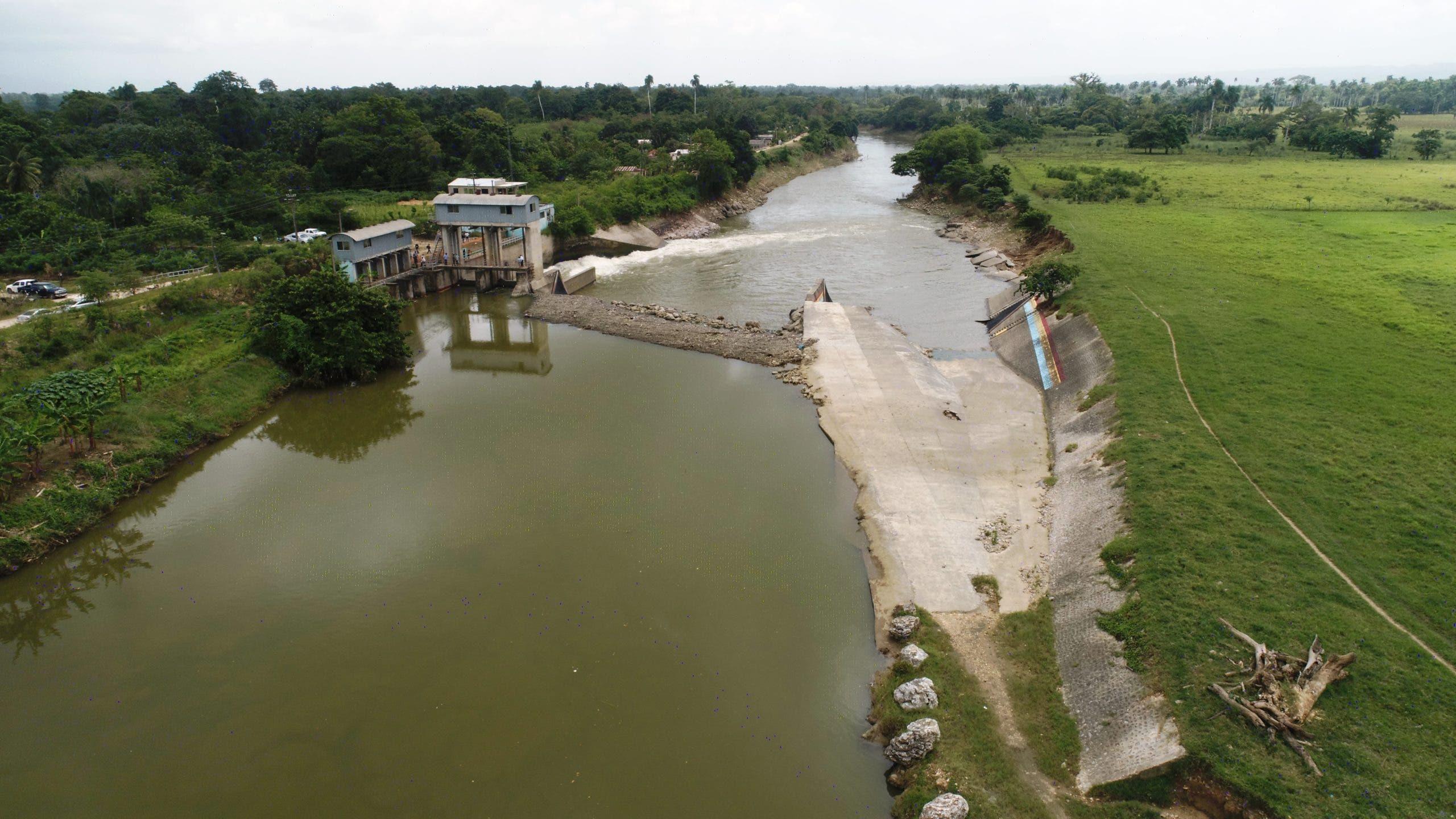 INDRHI y regantes trabajarán para mejorar los sistemas de riego en Bajo Yuna