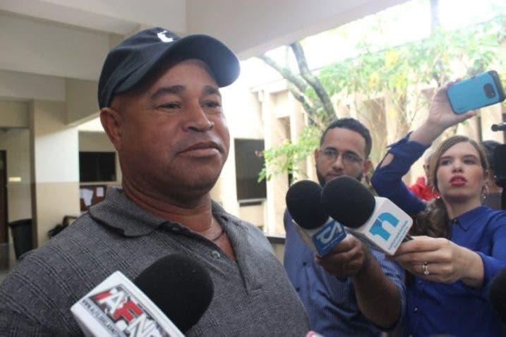 Padre de Emely tras libertad de Marlin Martínez: «En San Francisco de Macorís están los jueces más corruptos»