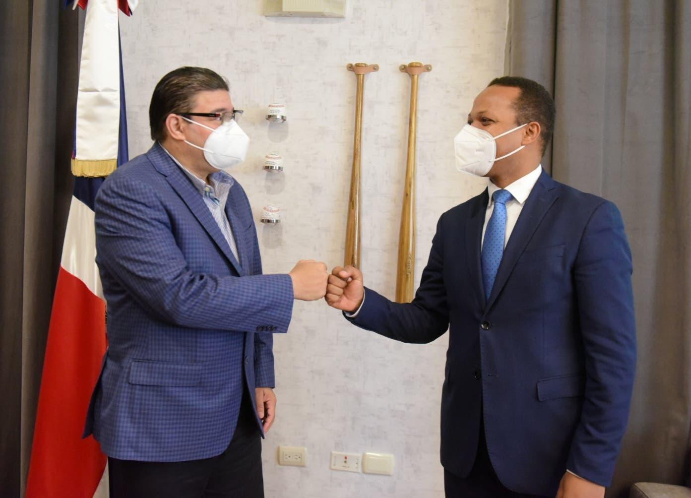 Ministro de deportes anuncia alumbrado completo del Centro Olímpico