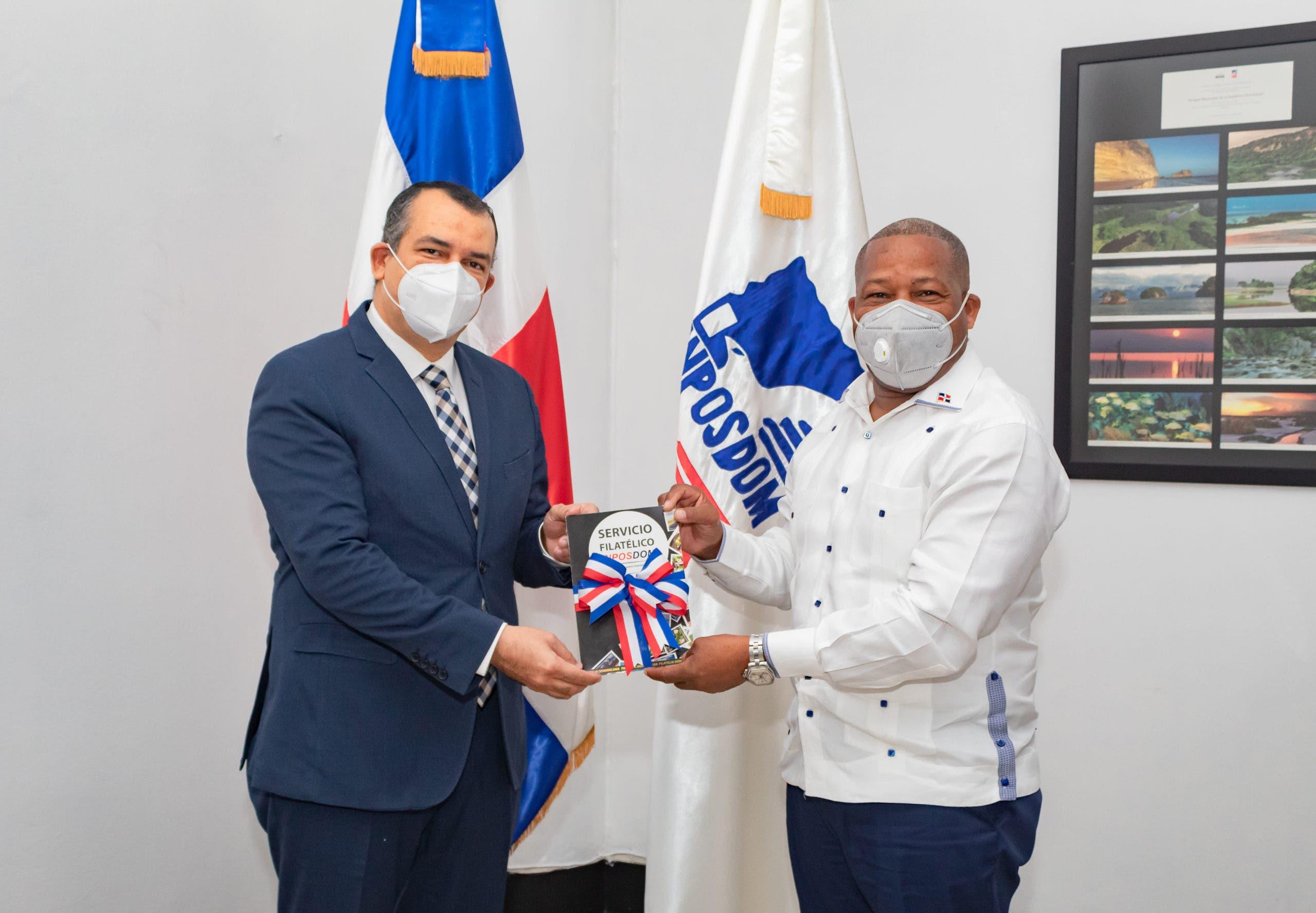Presidente del TSE gira visita de cortesía a director general del INPOSDOM