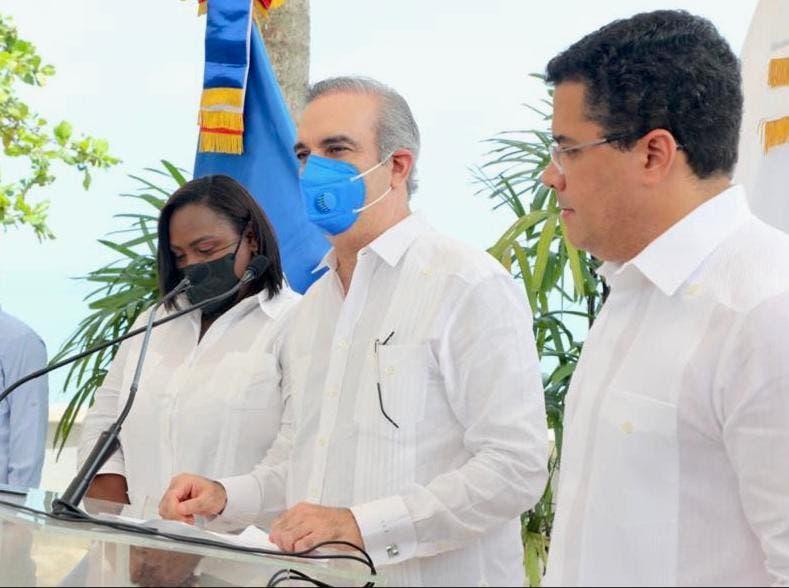 Presidente Luis Abinader  inaugura el muelle turístico de Miches