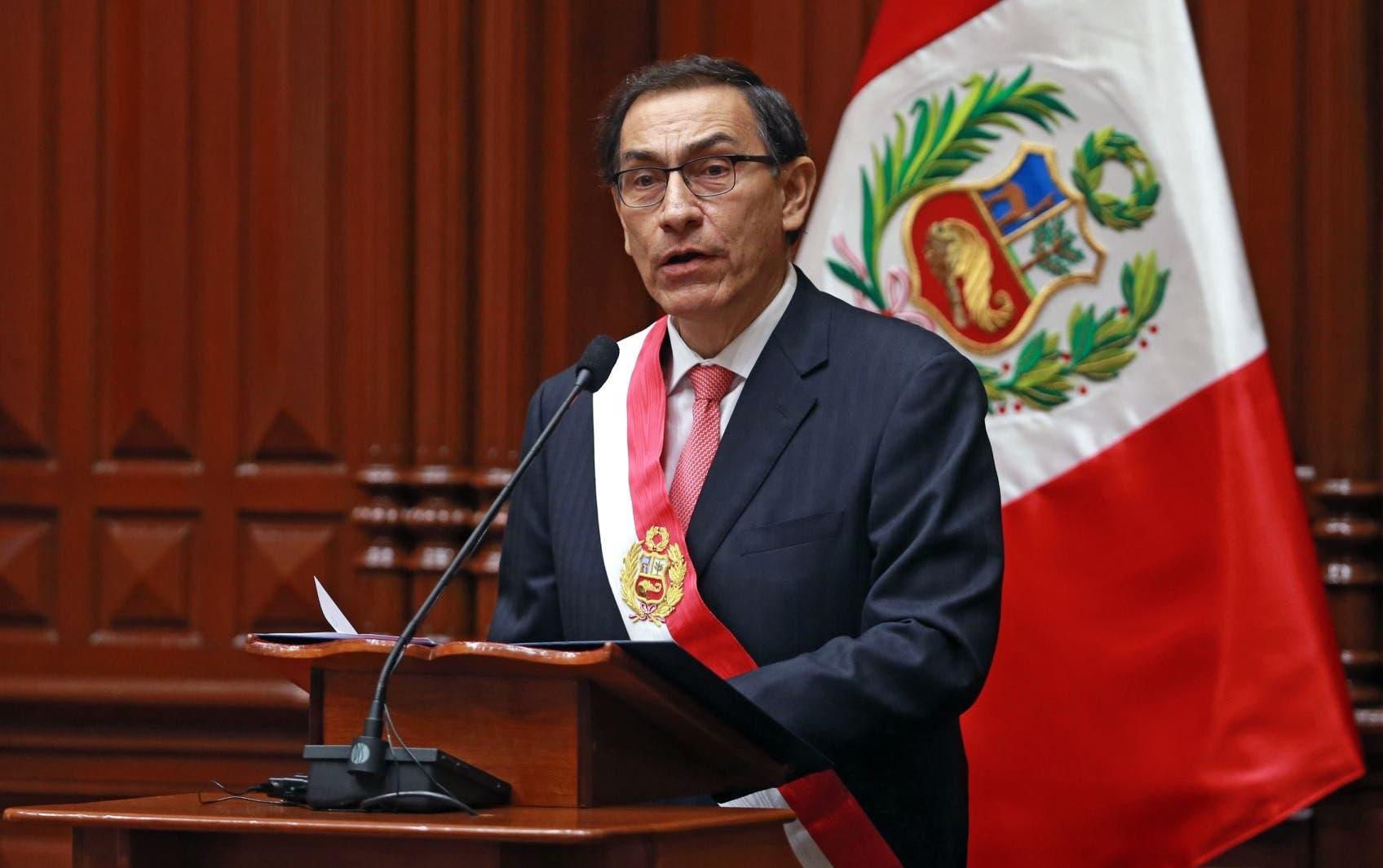 Confirman juicio de destitución contra el presidente de Perú