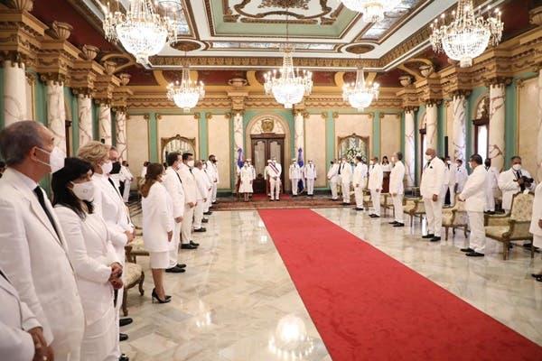 Abinader se reunirá hoy con el consejo de ministros