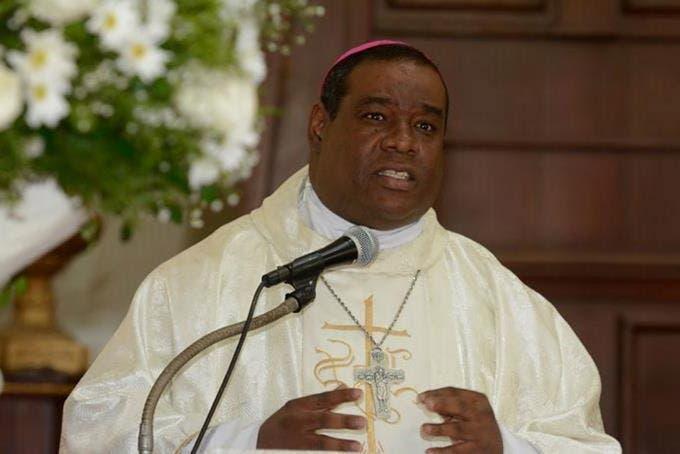 El llamado de la Iglesia Católica a sacerdotes tras suspensión servicios religiosos