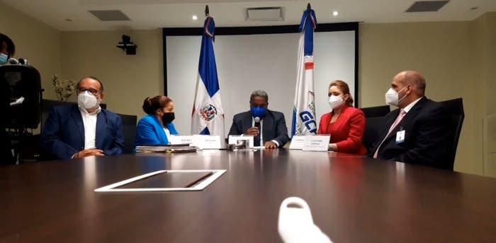 Peña Guaba denuncia más de 100, 000 personas cobran en Quédate en Casa sin ser pobres