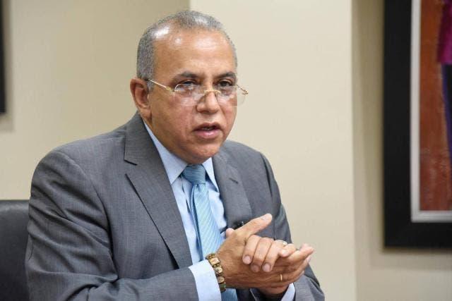 Ministro de Salud deplora condiciones de hospitales Samaná y Las Terrenas