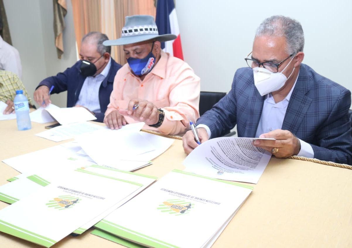 DGDF firma acuerdo de cooperación interinstitucional con Mancomunidad de Alcaldes Dajabón