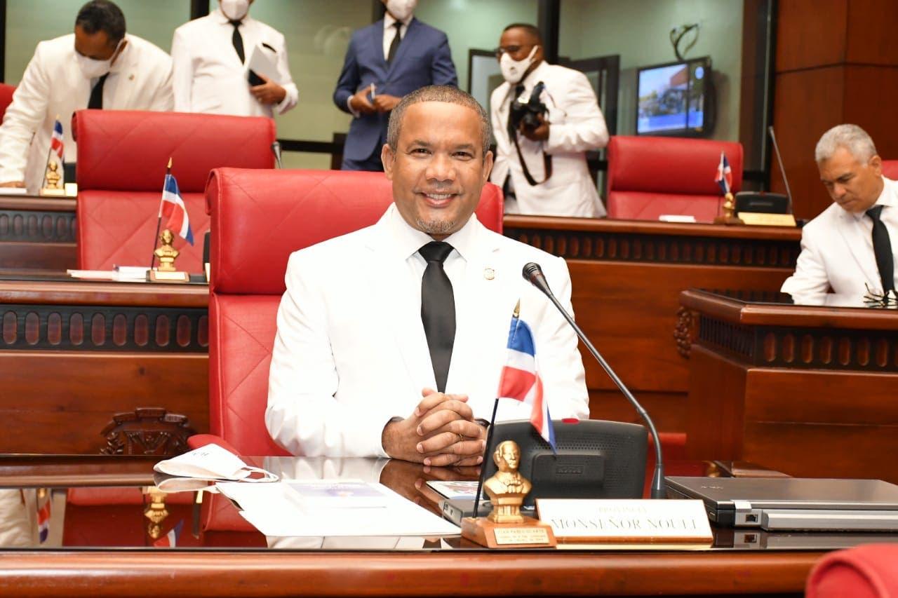 Senador Héctor Acosta se suma a voces claman por apertura de tribunales