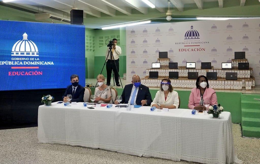 Presidente de ADP responde a Andrés Navarro sobre «golpe» a la institucionalidad del sistema educativo