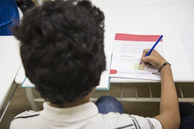 Solo el 26.5% de hogares encuestados utilizaron los cuadernillos del MINERD