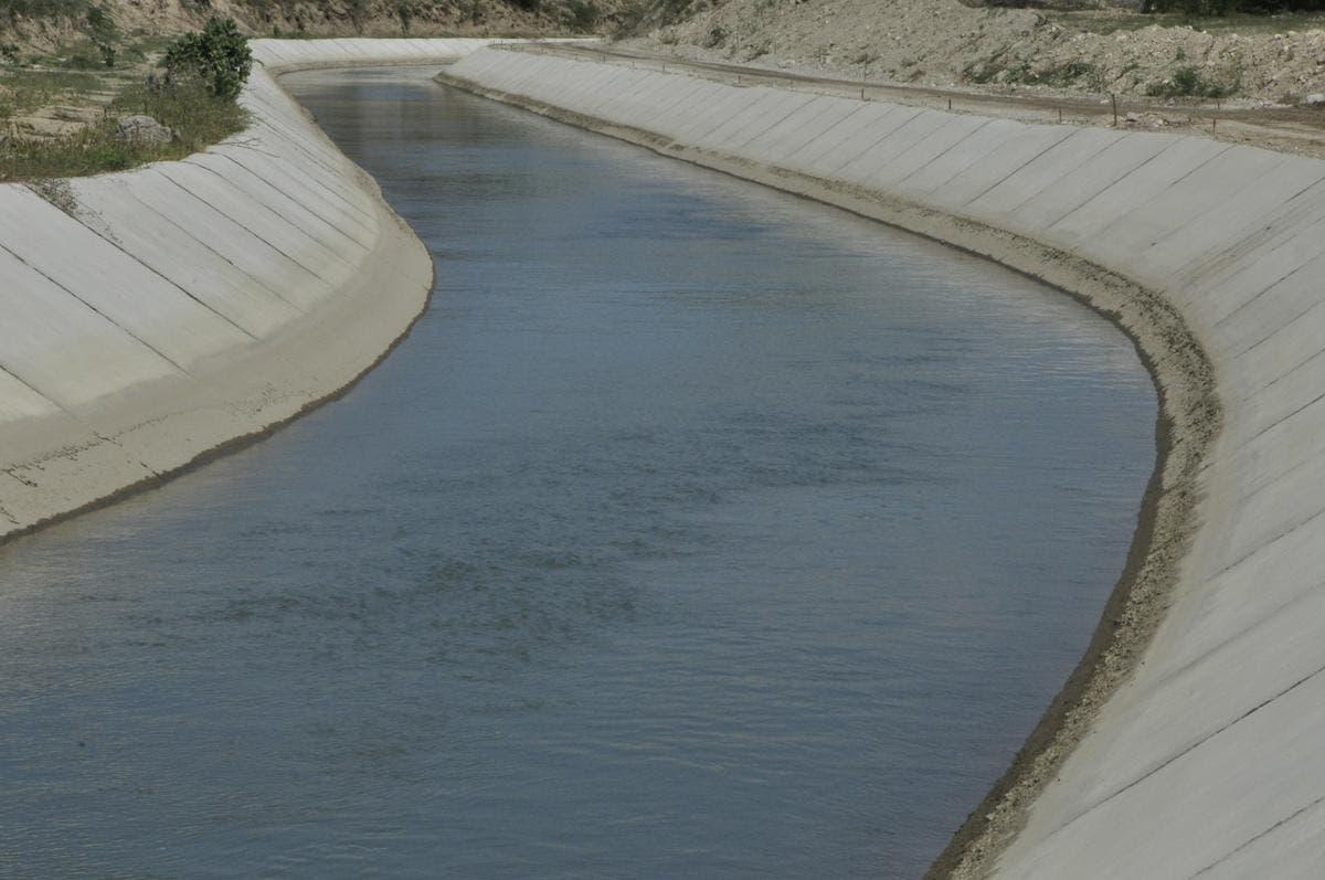 En Padre Las Casas piden al gobierno rehabilitar canal de riego