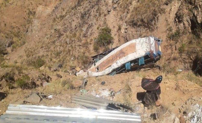 Al menos 19 muertos y 24 heridos tras accidente de tráfico en Bolivia