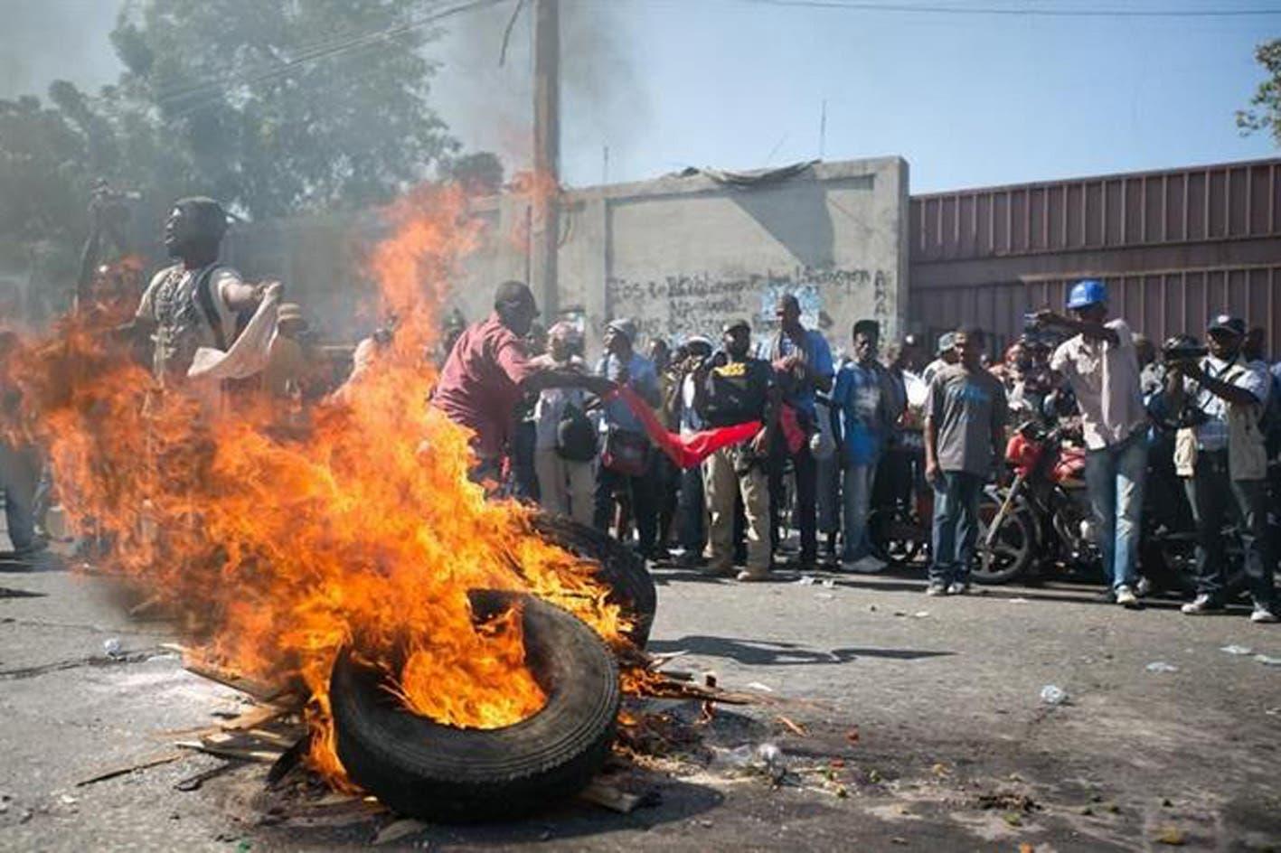 Manifestantes exigen justicia por asesinato de abogado en Puerto Príncipe