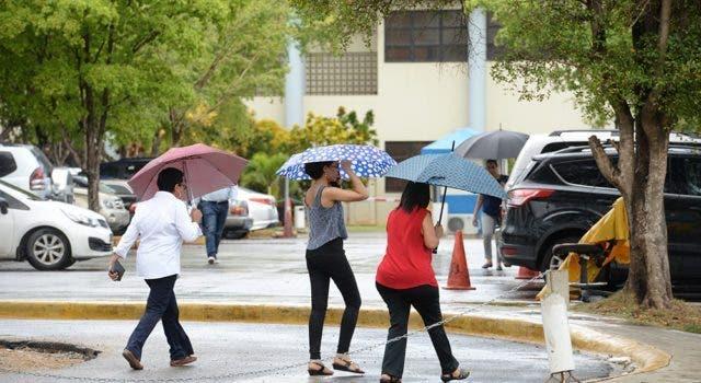COE aumenta a 12 las provincias en alerta por incidencia de vaguada