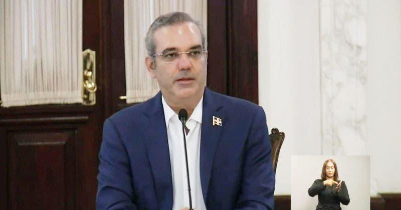 Luis Abinader envía carta al Senado solicitando escoger representante segunda mayoría para CNM