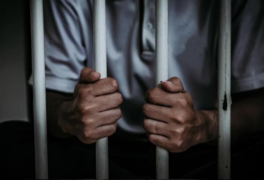 A prisión, acusado de violar sobrina con el conocimiento de la madre