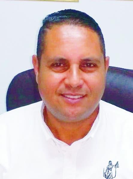 Comunidad pide aclarar muerte de abogado y comunicador