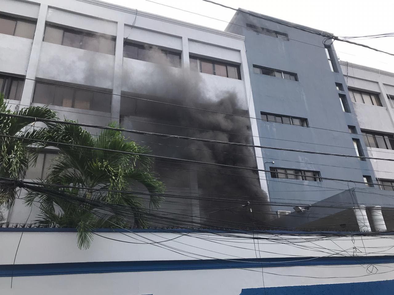 Salud Pública pierde conectividad con Laboratorio Nacional por incendio; Hoy no habrá boletín