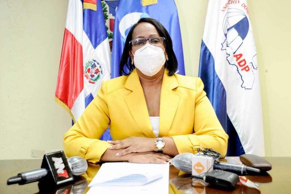 Presidenta ADP advierte maestros no volverán a las aulas sin vacunarse contra covid-19